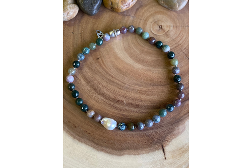 Indian Agate with Side Baroque